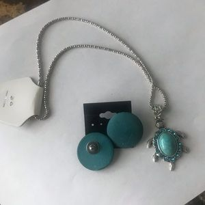 Jewelry - 🌊Blue earrings and a blue turtle chain.❤️